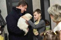Ярославский школьник получил от Путина щенка овчарки